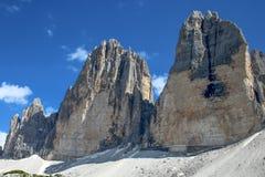 Tre Cime三Peaks di Lavaredo Drei Zinnen,是三白云岩的最著名的峰顶,在Sesto白云岩,它 库存图片