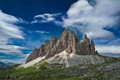 Tre Cime Di Lavaredo - bergmaxima i Dolomitefjällängar, Italien Arkivbild