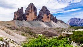 Tre Cime di Lavaredo dans les dolomites de Sexten de l'Italie du nord-est Images libres de droits