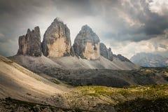 Tre Cime di Lavaredo dans les dolomites italiennes Image libre de droits