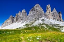 Tre Cime di Lavaredo Dolomites, fjällängar arkivbilder