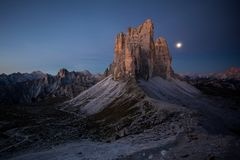 Tre Cime Di Lavaredo, dolomites Itália, cumes imagens de stock