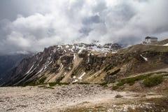 Tre Cime di Lavaredo Drei Zinnen,意大利山轨道  免版税库存照片
