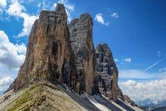 Tre Cime di Lavaredo Drei Zinnen, es tres de los picos más famosos de las dolomías, en Sesto Dolomites, Italia Imagenes de archivo