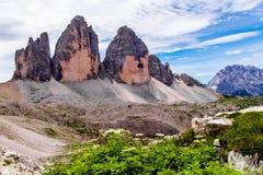 Tre Cime di Lavaredo en las dolomías de Sexten de Italia del noreste Imágenes de archivo libres de regalías