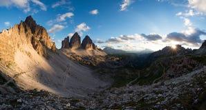 Tre Cime di Lavaredo i de Italiayn dolomitesna Arkivfoton