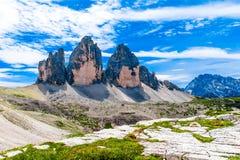 Tre Cime di Lavaredo tre maxima av Lavaredo i Italien Fotografering för Bildbyråer