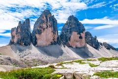 Tre Cime di Lavaredo tre maxima av Lavaredo, Italien Arkivfoto