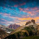 Tre Cime di Lavaredo Montañas de las dolomías Italia Imagen de archivo