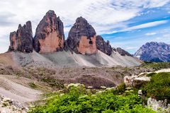 Tre Cime di Lavaredo nas dolomites de Sexten de Itália do nordeste Imagens de Stock Royalty Free