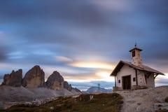 Tre Cime di Lavaredo nelle alpi della dolomia - Italia Fotografia Stock