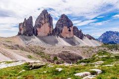Tre Cime di Lavaredo nelle dolomia di Sesto dell'Italia di nordest Immagine Stock