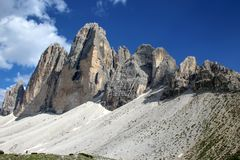Tre Cime di Lavaredo sind drei der berühmtesten Spitzen der Dolomit, in Sesto Dolomites, Italien stockbilder