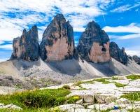 Tre Cime di Lavaredo tres picos de Lavaredo en el Itali Imagenes de archivo