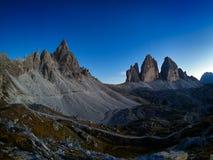 Tre Cime Di Lavaredo w pięknych otoczeniach przy zmierzchem dolomity, Włochy Zdjęcie Royalty Free