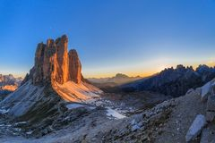 Tre CIME DOLOMIT-ALPEN, ITALIEN Lizenzfreie Stockfotos