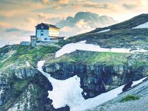 Tre Cime-reis, alpiene hut Nationaal Park Tre Cime di Lavaredo Stock Afbeeldingen