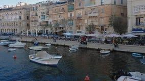 Tre città, grande vista del porto di Malta dalla nave stock footage