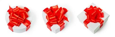 Tre contenitori di regalo bianchi del quadrato del pasteboard Fotografia Stock Libera da Diritti