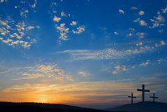 Tre crucifissioni sulla collina Fotografia Stock Libera da Diritti