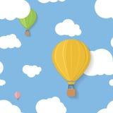 Tre färgade aerostats i blåa himlar med moln vektor illustrationer