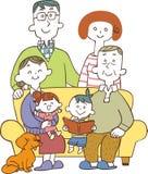 Tre famiglie della generazione stanno sedendo sul sofà royalty illustrazione gratis