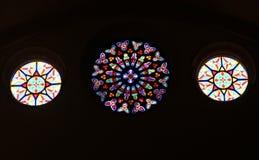 Tre finestre di vetro macchiato rotonde fotografia stock libera da diritti