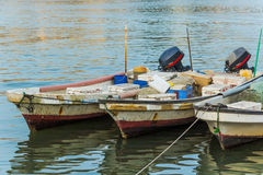 Tre fiskebåtar i Bahrain Royaltyfria Bilder