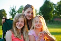 Tre flickor royaltyfria foton