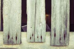 Tre gamla wood bräden med rostigt spikar Royaltyfri Bild