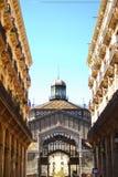 Byggnad i Barcelona Fotografering för Bildbyråer