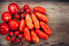 Tre generi di pomodori maturi: romano macchiato Fotografia Stock Libera da Diritti