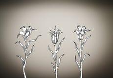 Tre gigli bianchi sul fondo di scenetta Fotografie Stock Libere da Diritti