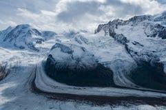 Tre glaciärer under matterhorn Schweiz royaltyfria bilder
