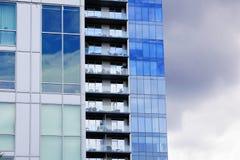 Tre hanno vacillato le alte costruzioni di aumento Fotografie Stock Libere da Diritti