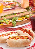 Tre hot dog e sode saporiti Immagine Stock
