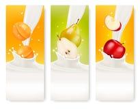 Tre insegne del latte e della frutta Fotografia Stock