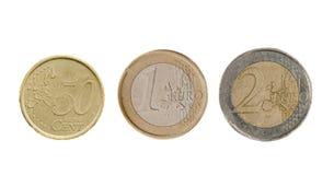 Tre isolerade euromynt fotografering för bildbyråer