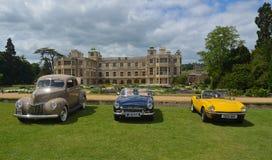 Tre klassiska bilar på show på det Audley sluthuset Fotografering för Bildbyråer