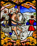 Tre konungar - målat glass i den Tours domkyrkan royaltyfri foto