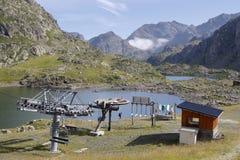 Tre laghi e un ascensore di sci Fotografia Stock