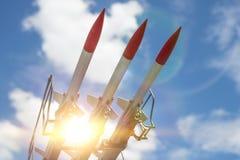 Tre missiler på installationen siktas uppåt fotografering för bildbyråer