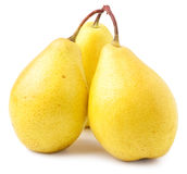 Tre mogna gula päron som isoleras på vit bakgrund Arkivbilder