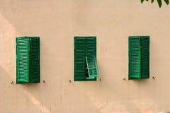 Tre otturatori verdi fotografie stock libere da diritti