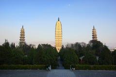 Tre pagode buddisti nella vecchia città di Dali, provincia di Yunnan, Cina Fotografia Stock Libera da Diritti