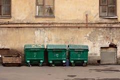 Tre pattumiere della via. Fotografie Stock Libere da Diritti