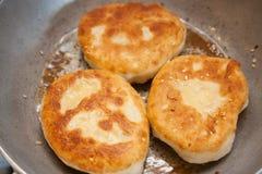 Tre pezzi di bhatura fritto Fotografia Stock