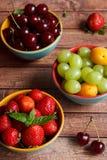 Tre piatti della frutta di estate Fotografie Stock Libere da Diritti