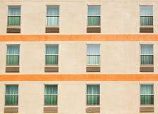 Tre rader av fönster Arkivbilder