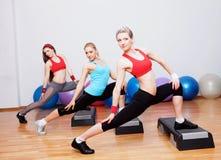 Tre ragazze nel randello dei fitnes Immagine Stock Libera da Diritti